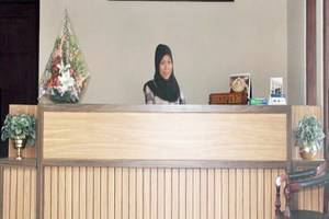 Hotel Cepu Indah Blora - Resepsionis