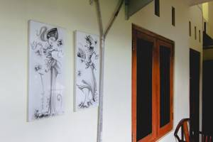 Sabana Homestay Yogyakarta - painting
