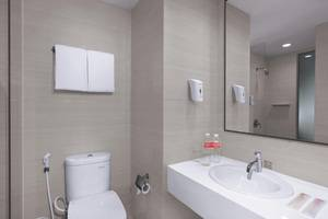 favehotel Sorong - Bathroom
