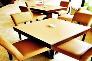 Hotel Sahid Raya Yogyakarta - Meja Makan