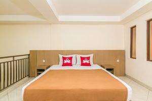 ZenRooms Teuku Umar Denpasar Bali - Tampak tempat tidur double