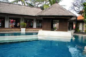 Puri santrian Bali - Kolam Renang tenang
