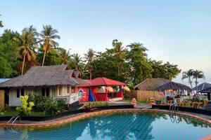 La Merry Resort Manado - Pool Area