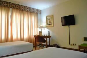 Hotel Penta  Cirebon - Kamar tamu