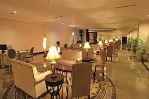 Harmoni One Convention Hotel Batam - Lounge lobi
