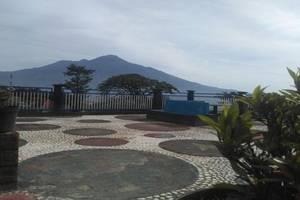Batuque Town Villa Malang - Exterior