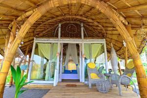 Coconut Garden Beach Resort Maumere -