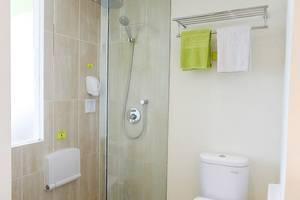 MaxOne Hotels Bukit Jimbaran - Kamar mandi