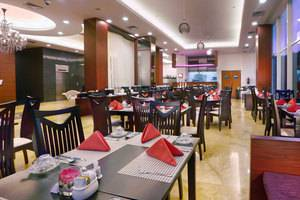Quest Hotel Surabaya - Crystal Cafe