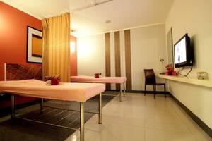 The Plaza Hotel Glodok - Massage Room