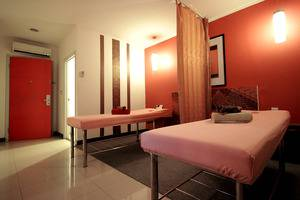 The Plaza Hotel Glodok - Massage