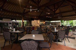 ZenRooms Kuta Sentral Parkir 1 - Restoran