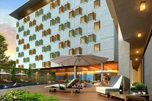 HARRIS Hotel Surabaya - Kolam Renang