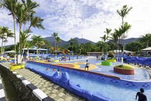 Mifan Waterpark & Resort Syariah Padang Panjang - kolam renang