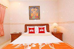 ZenRooms Paradise Legian Hotel Bali - Tampak tempat tidur double