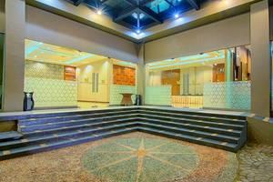 Noormans Hotel Semarang - Exterior