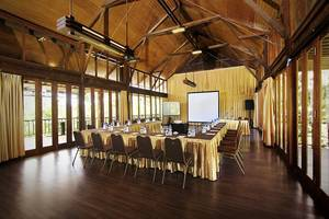 The Green Forest Resort Bandung - Pinus Meeting Room