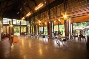 The Green Forest Resort Bandung - Restaurant