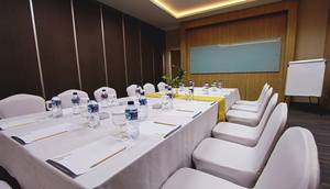 Horison Sky Kualanamu Medan - MEETING ROOM