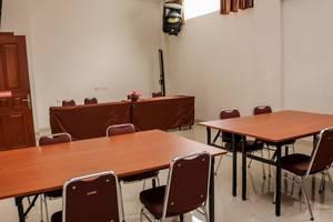 NIDA Rooms Lenkong Besar 62 Bandung - Ruang Rapat