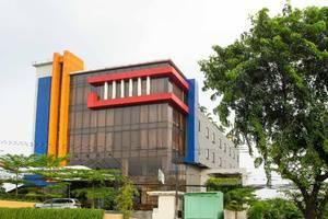 Igloo Hotel Bekasi - Facade