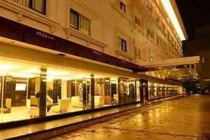 Emilia Hotel by Amazing Palembang - Tampak luar