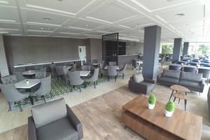 Rivoli Hotel Jakarta - lounge lobi di rivoli hotel jakarta