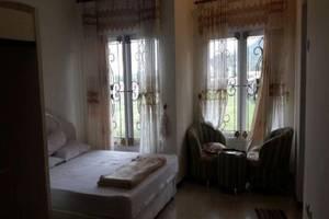 Villa Harmonie Syariah Malang - Kamar tamu