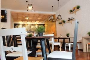 Pod House Makassar Makassar - Cafe