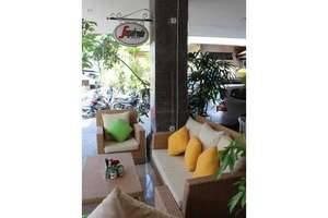 Hotel Karthi Bali - Sofa di Restoran