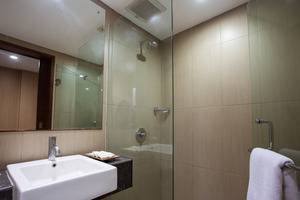 Sense Sunset Seminyak - Bathroom