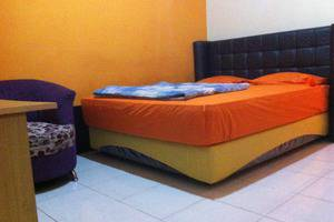 Emweka Guest House Balikpapan - deluxe room emweka guest house
