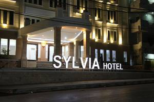 Hotel Sylvia Kupang - Tampilan Luar Hotel