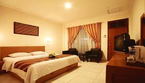 Hotel Syariah Arini Solo - Room