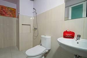 RedDoorz @Guntur Raya Setiabudi 1 Jakarta - Kamar mandi