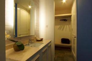 Summerhome Seminyak  Bali - Kamar mandi