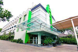 ZEN Premium Pancoran Jakarta - Penampakan Gedung