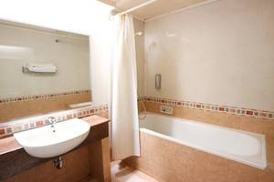 Hotel Melawai 2 Jakarta - Standard King Bathroom