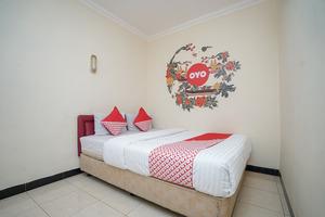 OYO 448 Hotel Central