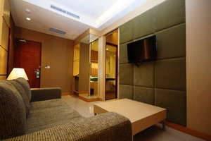 7 Days Premium Kuta - Suite - ruang tamu