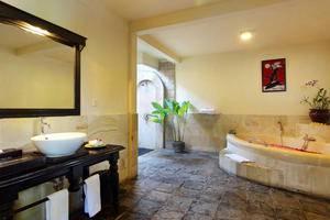 Furama Villas Ubud - Bathtub