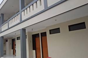 Sutanto Guest House Bandung - Outdoor