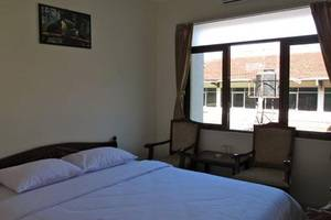 Sakura Guest House Bandung - Standard Double Bed