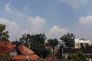 Sakura Guest House Bandung - Surroundings