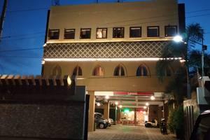 Hotel Ibrahim Syariah Simpang Lima Semarang - Front