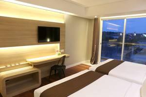 Grand Citihub Hotel @ Kajoetangan Malang - Superior Twin
