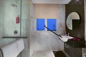 favehotel Puri Indah Jakarta - Bathroom