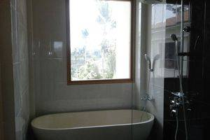 Ashoka Tree Resort at Tanggayuda Bali - Suite Pool View  Bathroom