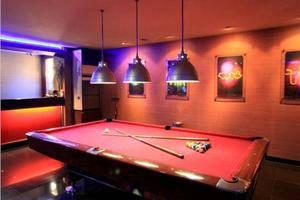 Bilique Hotel Bandung - Billiard