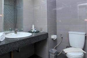 Bilique Hotel Bandung - Bathroom